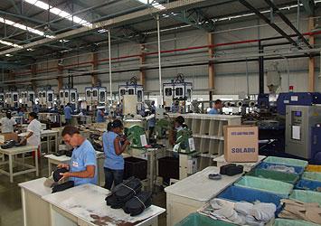Desde novembro do ano passado, a Azaléia demitiu em Itapetinga cerca de 1,4 mil trabalhadores (Foto Lauro Rocha Ag. A Tarde)