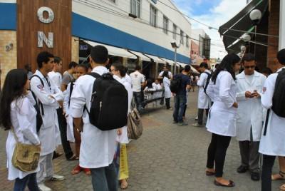 Estudantes com atividades em sala de aula suspensas fizeram nova manifestação em Conquista
