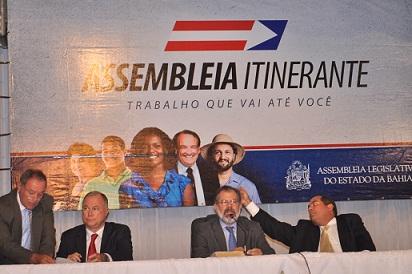 Presidente Marcelo Nilo abriu a sesão em Jequié