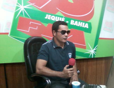 """Márcio Moreno divulgou o """"Clama Jequié"""" na 93 FM e disse que noo show daria o testemunho da tentativa de homicídio que foi vítima"""