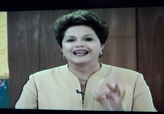 Dilma disse que voz das ruas precisa ser ouvida e respeitada e não pode ser confundida com o barulho e a truculência de alguns arruaceiros