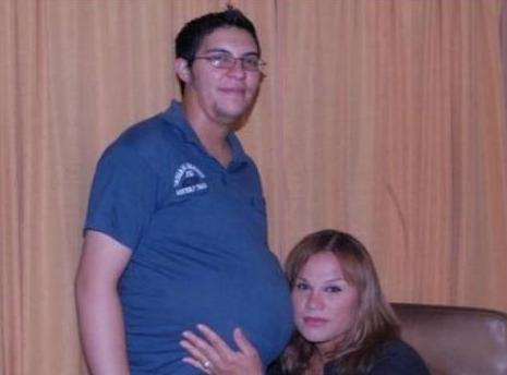 A filha do casal irá se chamar Gênesis e deve nascer no fim de dezembro em um parto cesariana. Taborda será o primeiro caso na Argentina de um homem a dar à luz
