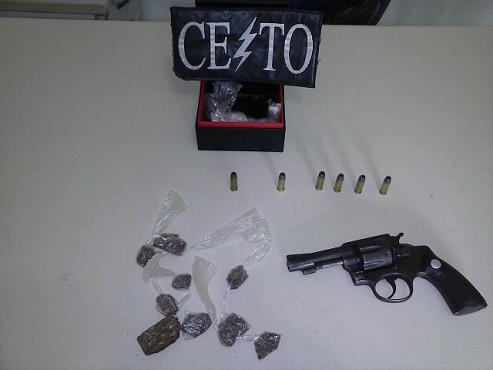 Revólver e droga apreendidos (foto 19º BPM)