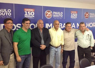 """Presidente da Câmara de Jequié, vereador José Simões foi recebido na sede da coligação """"Unidos pela Bahia"""", em Salvador (foto divulgação)"""