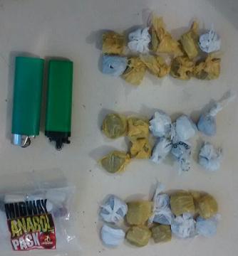 Material apreendido e encaminhado à delegacia de polícia (foto 19º BPM)