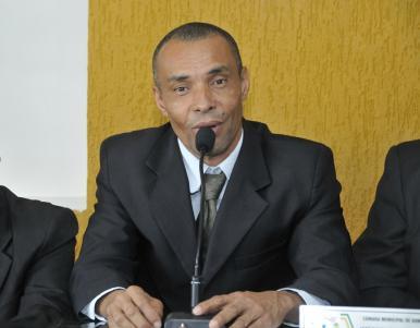 """Edvaldo dos Santos (PTC), """"Kaçulo"""" foi empossado na manhã desta segunda, 18 (foto Valdir Santos/Ubatã Notícias)"""