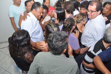 O vice-prefeito de Jequié, Sérgio Gameleira (PT) também foi cumprimentar Antonio Brito pela vitória