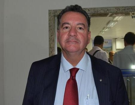 Promotor do MP Ba, Maurício Cavalcante diz que foi solicitada a condenação das operadoras ao pagamento de indenização, por dano moral coletivo, no valor de R$ 5 milhões