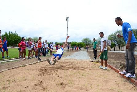 Provas de atletismo realizadas na pista do Waldomirão (foto divulgação)