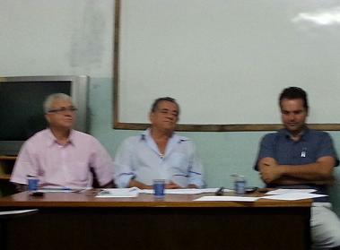 Deputado Euclides Fernandes presidiu a reunião do diretório ladeado pelo ex-prefeito Reinaldo Pinheiro e o filiado Yan Almeida