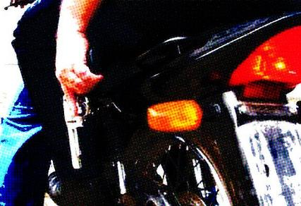 Uso de motocicletas facilita  a ação dos assaltantes (reprodução)