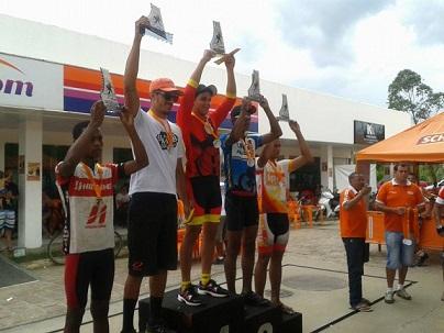 Domingo (14/12) Péricles Maia voltou às pistas para sua reestreia no cross country, foi a 1ª Copa de MTB de Ipiaú garantindo a terceira colocação (divulgação)