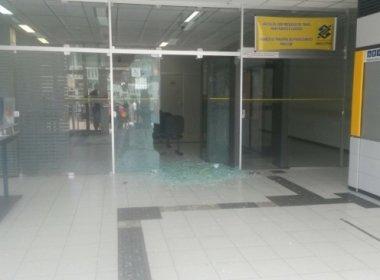 Agência bancária assaltada em Iramaia (foto reprodução Blog Itiruçu Online)