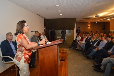 Presidente do PSB, senadora Lídice da Mata defendeu aliança programática com o governo do PT