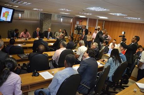 Sessão que tratou do sistema prisional baiano teve numerosa assistência