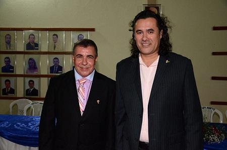 Após dois mandatos consecutivos Márcio Roberto empossou seu sucessor Antonio Trifino Júnior