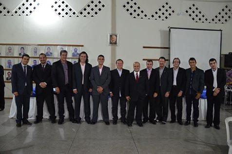 Nova diretoria e ex-presidentes da Câmara de Dirigentes Lojistas de Jequié