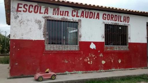 Ivan do Leite diz que dinheiro acabou e escola permanece degradada