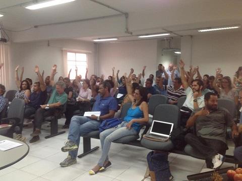 Após três horas de debate, os professores da Uesb aprovaram, na terça-feira (24/3) o estado de greve.