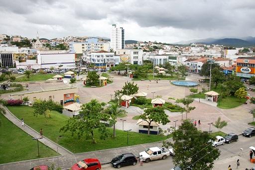 Aspecto atual da principal praça pública da cidade (foto reprodução)