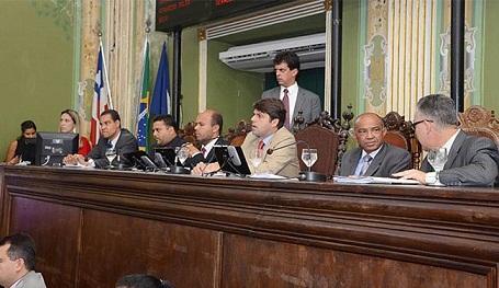 Dos 41 vereadores que compõem o legislativo municipal de Salvador, apenas o do PSOL votou contra a proposta