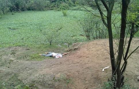 Homem tombou morto na margem do Rio das Contas (foto Repórter Tatu)