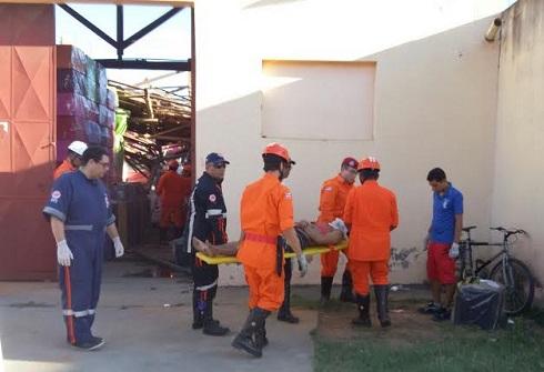 Feridos foram socorridos por equipes do Bombeiros e do SAMU (fotos Repórter Wellington Ferreira)