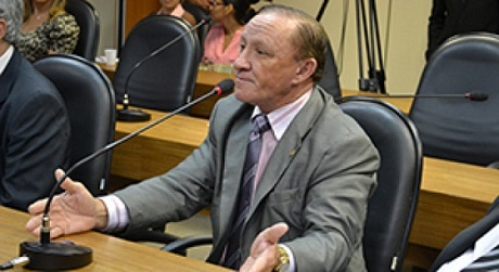 """Deputado Carlos Ubaldino diz que os """"furos"""" da imprensa municiam ações dos marginais"""