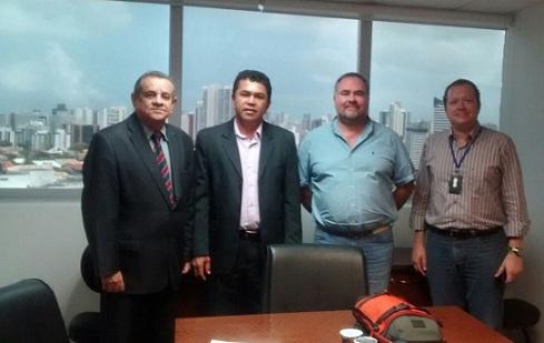 Acompanhado pelo deputado Euclides Fernandes, o vereador Fiim esteve na sede da Via Bahia