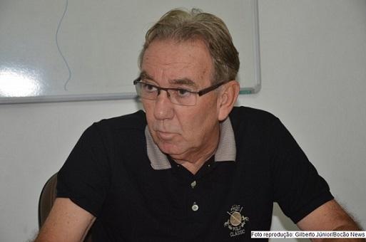 Wilson Cardoso, de Andaraí, reduziu seu salário em 50%