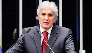 A prisão de Delcídio Amaral é resultado de operação da Polícia Federal, que também tem como alvo empresários