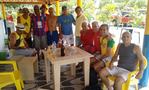 Baba é formado por craques do passado, teimosos e insistentes com o futebol