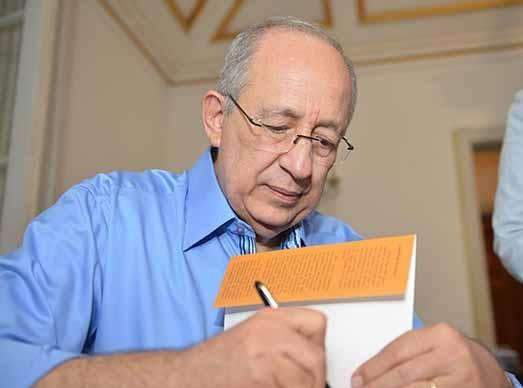 Livro de Sérgio Mattos  aborda também contribuições que ele deu em vários campos da cultura e do jornalismo da Bahia