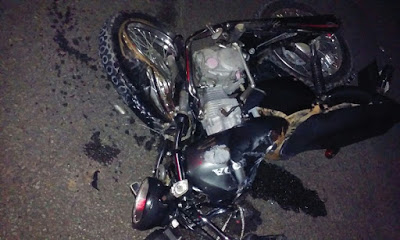 Uma das motos envolvidas no grave acidente (Giro em Ipiau)