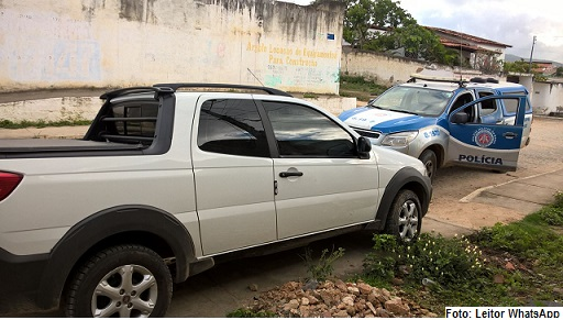 Carro foi devolvido pelos policiais à proprietária