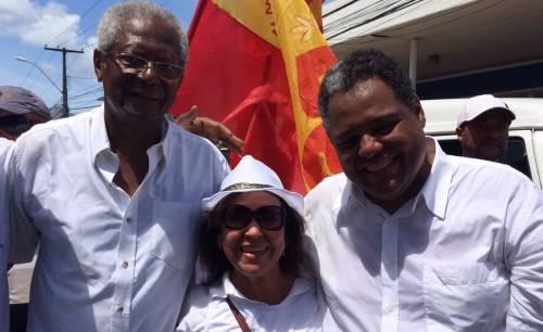 3c7c99cdf1e33 Edvaldo e Antonio Brito (PTB) com a senadora Lídice da Mata (PSB)