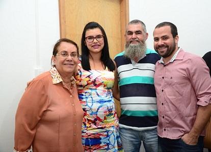 Professor Nilson Roberto contou com indicação do vereador Josué Menezes à prefeita Tânia Britto