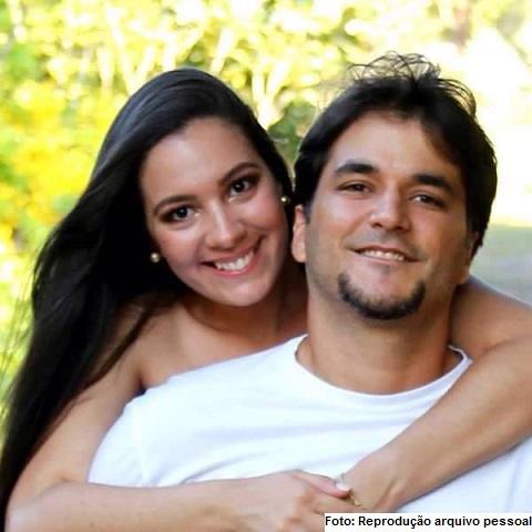 O jovem casal que viajava no Fiat/Uno. Diana Machado morreu no local