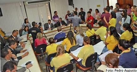 Sessão em que veto do prefeito à Lei da Zona Azul foi derrubado
