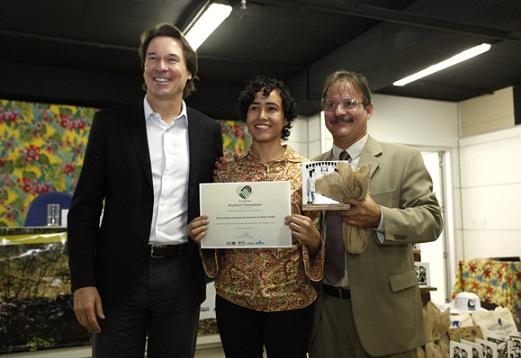 Luana Jéssica, parceira e ex-estagiária no projeto recebeu a premiação em Brasília
