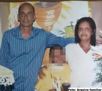 Vanderley Martins com a esposa Vilma e filho: Mais uma vítima da violência