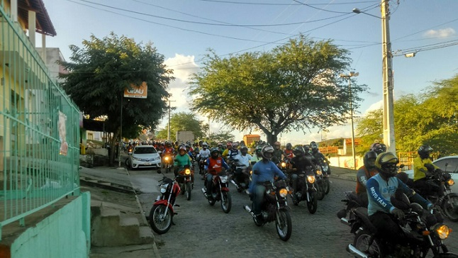 Mototaxistas protestaram nas ruas da cidade