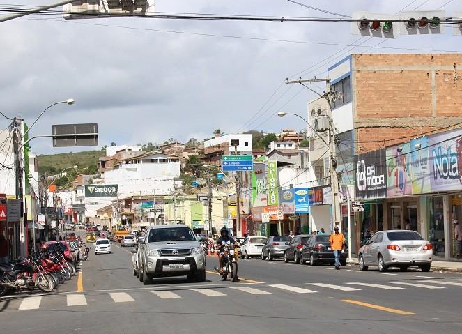 Governo definirá uma nova data para inauguração da pavimentação no centro de Jaguaquara