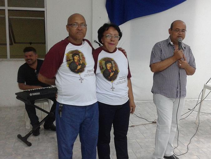 Pároco Uidelfonso Macedo falou sobre o tema ao lado do casall festeiro Rafael e Solange Aguiar