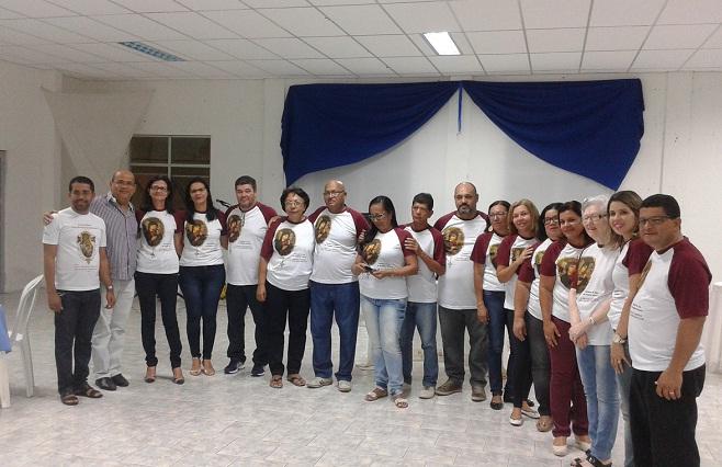Padres com os membros da comissão organizadora da festa