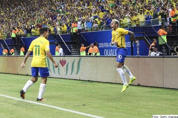Neymar teve boa atuação e marcou o gol da vitória