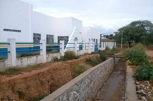 Infraestrutura da área e conclusão do prédio ainda dependem da Prefeitura