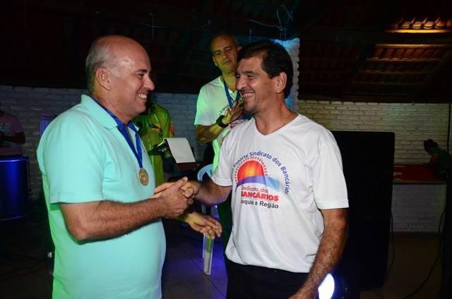 O troféu de campeão levou o nome de Salvador Ferreira Costa, presidente da AABB Jequié