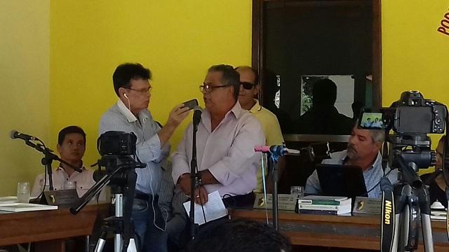 George Machado agradeceu emocionado o reconhecimento dos vereadores de Manoel Vitorino