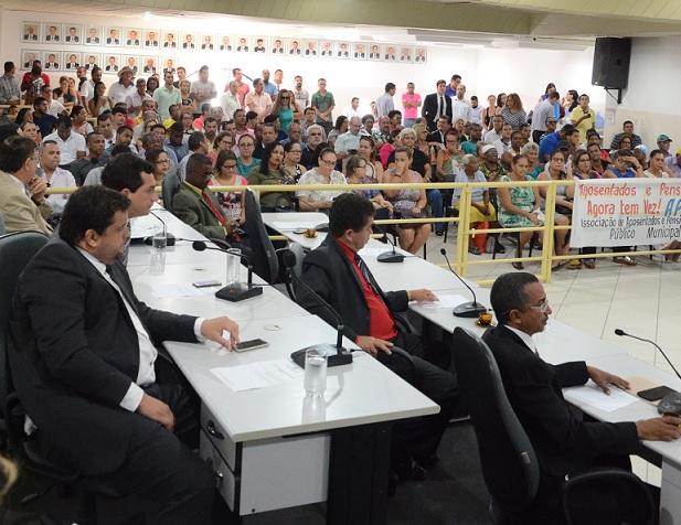 Servidores municipais ativos e inativos estiveram presentes